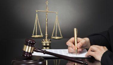 Kovuşturma Aşamasında Başka Bir Mercide Çözülmesi Gereken Meselenin Çözümüne Kadar Dava Zamanaşımının Durmasını Öngören Kuralın Anayasa'ya Aykırı Olmadığı