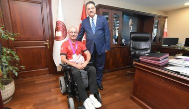 İstanbul Anadolu Adliyesi Personeli Naci Yenier Dünya Okçuluk Şampiyonu Oldu