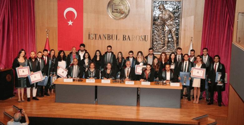 Stajını Tamamlayan Avukatlar, İstanbul Barosu Merkez Bina Konferans Salonunda Düzenlenen Törenle Ruhsatını Aldı