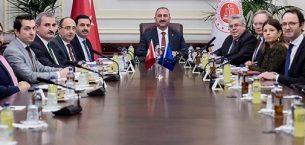 Adalet Bakanlığına Sürpriz Ziyaret: Avrupa Parlamentosu Türkiye Raportörü Amor ve Heyeti, Bakan Gülle Görüştü
