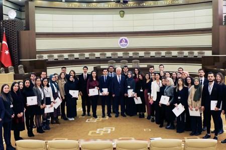 Hukuk Öğrencilerine Staj Katılım Sertifikası Verildi