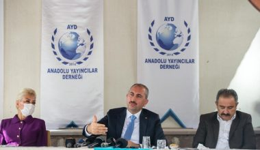 Adalet Bakanı Gül, Anadolu Yayıncılar Derneği'nde Gazetecilerle Biraraya Geldi