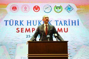 Türk Hukuk Sempozyumu Başladı